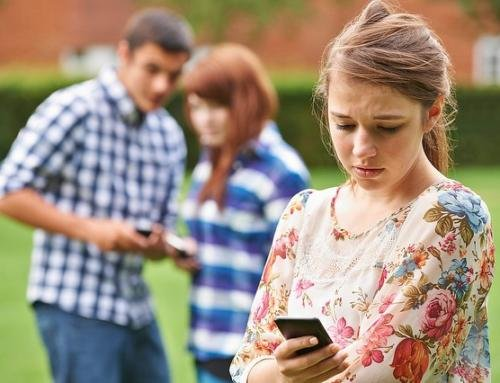 7 Signs Your Child Is Being Bullied Online