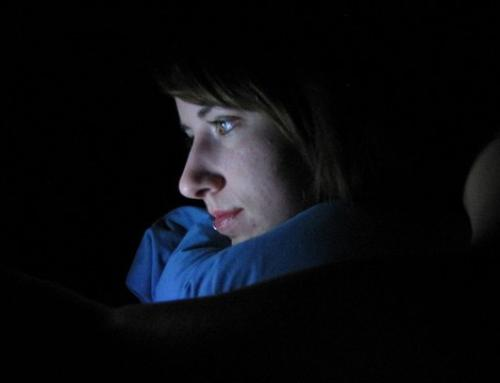 Decline in Teen Mental Health Attributed to Late Night Stimulation