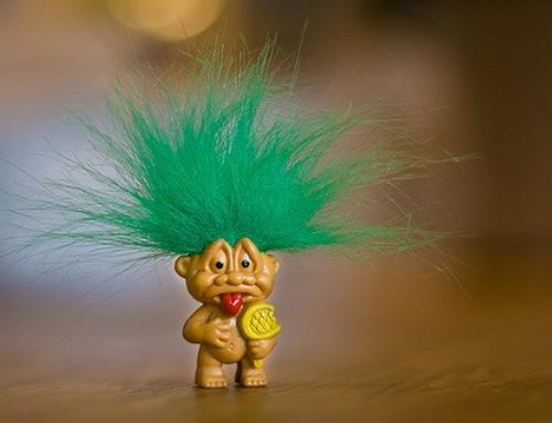 Feeding the Trolls? – The Roles and Benefits of Online Trolling