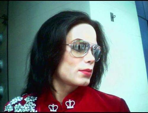 Australian stations dump Michael Jackson's music after Finding Neverland documentary